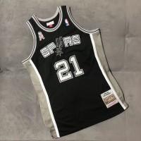 *Tim Duncan San Antonio Spurs 2001-02 MVP Season Mitchell and Ness 9/11 Unity Patch Jersey - Super AAA